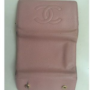 CHANEL Accessories - Vintage Chanel Pink Caviar Leather Keychain Wallet